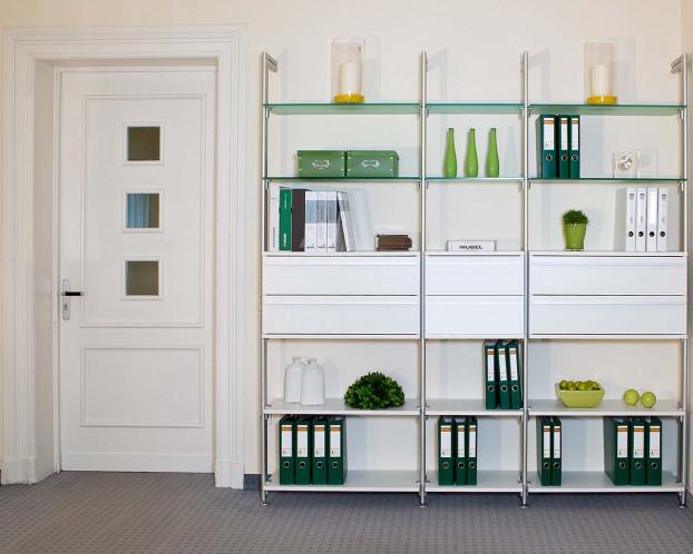 Die Bürowand TRIO bildet die ideale Basis für Ihr Büro