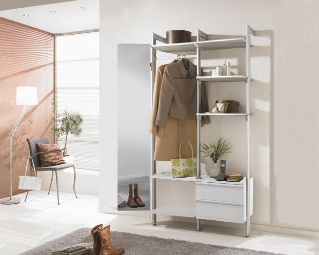 Das offene Garderobensystem DALIA ist ein wahres Stauplatzwunder