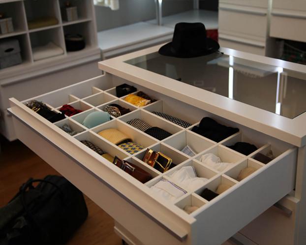 Schubladeneinteilung f. begehbaren Kleiderschrank