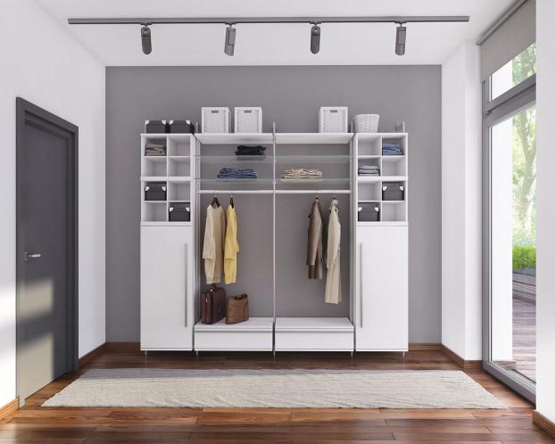 Die helle Garderobe LARA schafft eine freundliche Atmosphäre im Eingangsbereich.