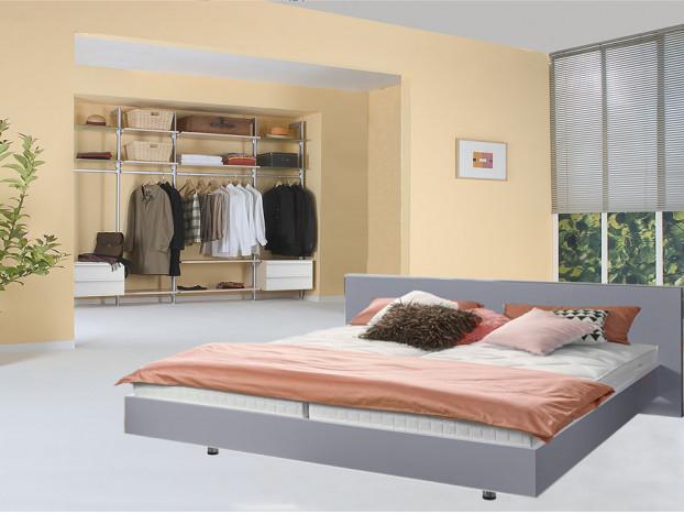 Komplettes Schlafzimmer bestehend aus einem offenen Kleiderschrank PRIMERA und einen Designerbett